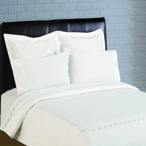 300 Thread Count Scroll Embroidery Percale Sheet Set - White